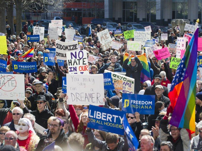 Manifestantes em Indianapolis
