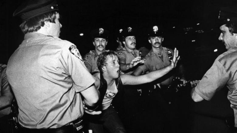 The Stonewall Riots, clicar para ler mais
