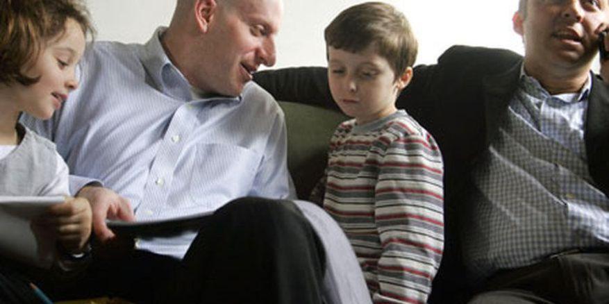 família homoparental lgbt portugal psicologia estudo relatório ordem dos psicólogos lgbt