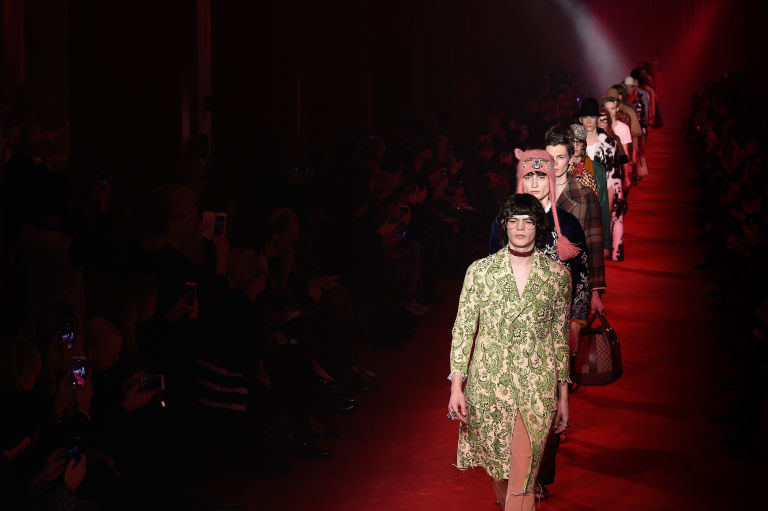 Hari Nef model gucci fashion moda trans LGBT 2