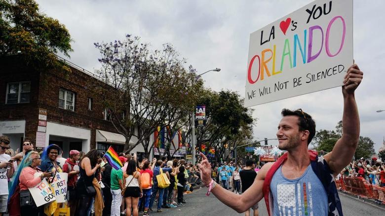 Orlando discoteca gay polícia terrorismo silenciamento comunicação social portugal lgbt homofobia