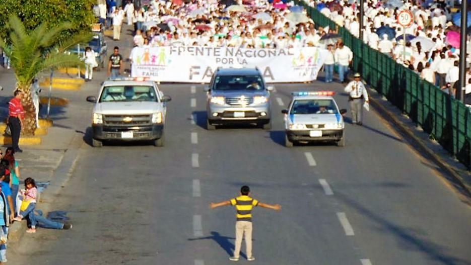 mexico-marcha-anti-lgbt-familia-amor-homofobia
