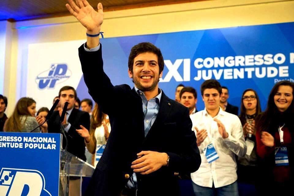 juventude-popular-cds-francisco-rodrigues-dos-santos-educacao-sexual-politica-portugal-identidade