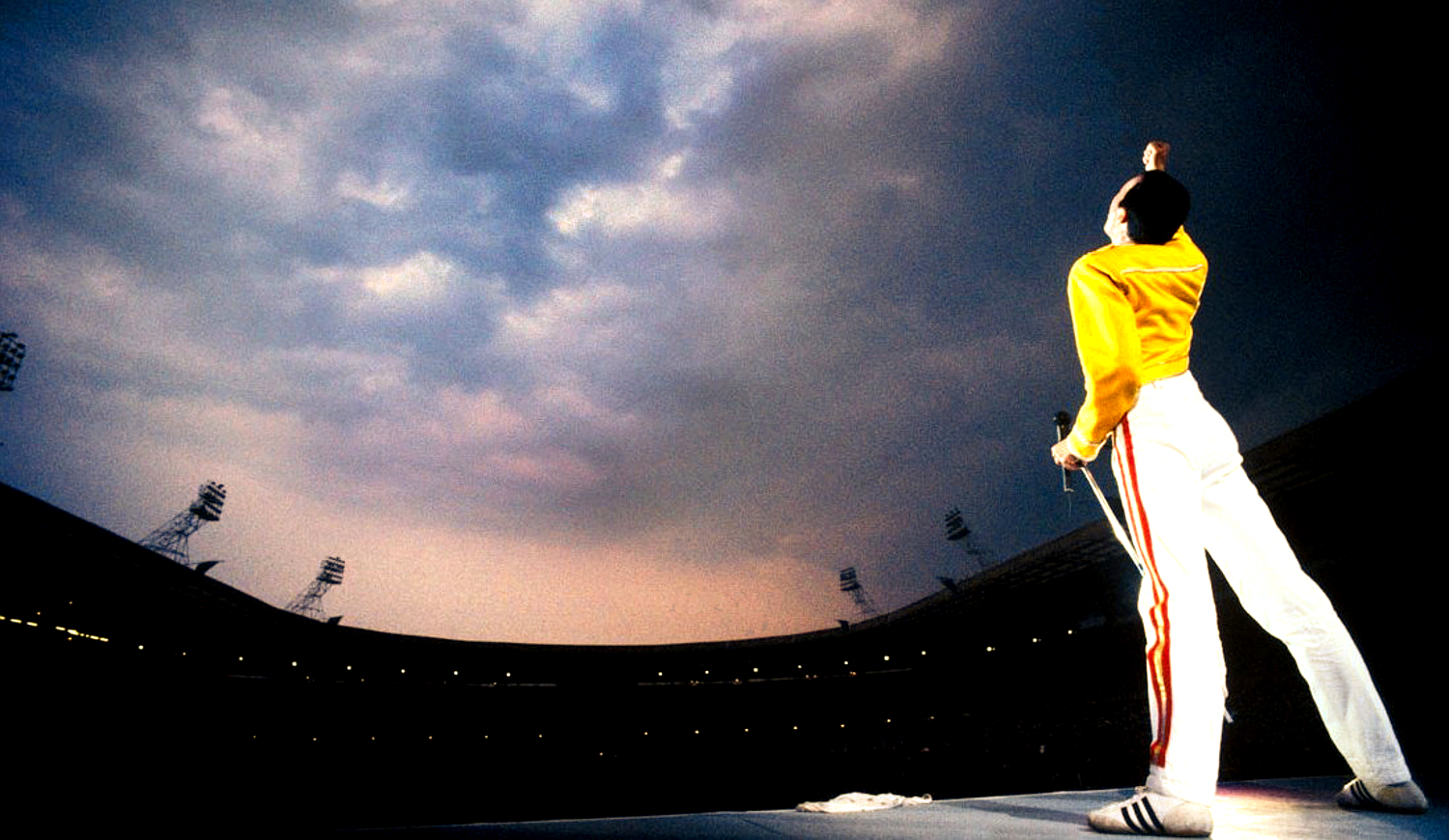 freddie-mercury-at-wembley-esqrever-bio