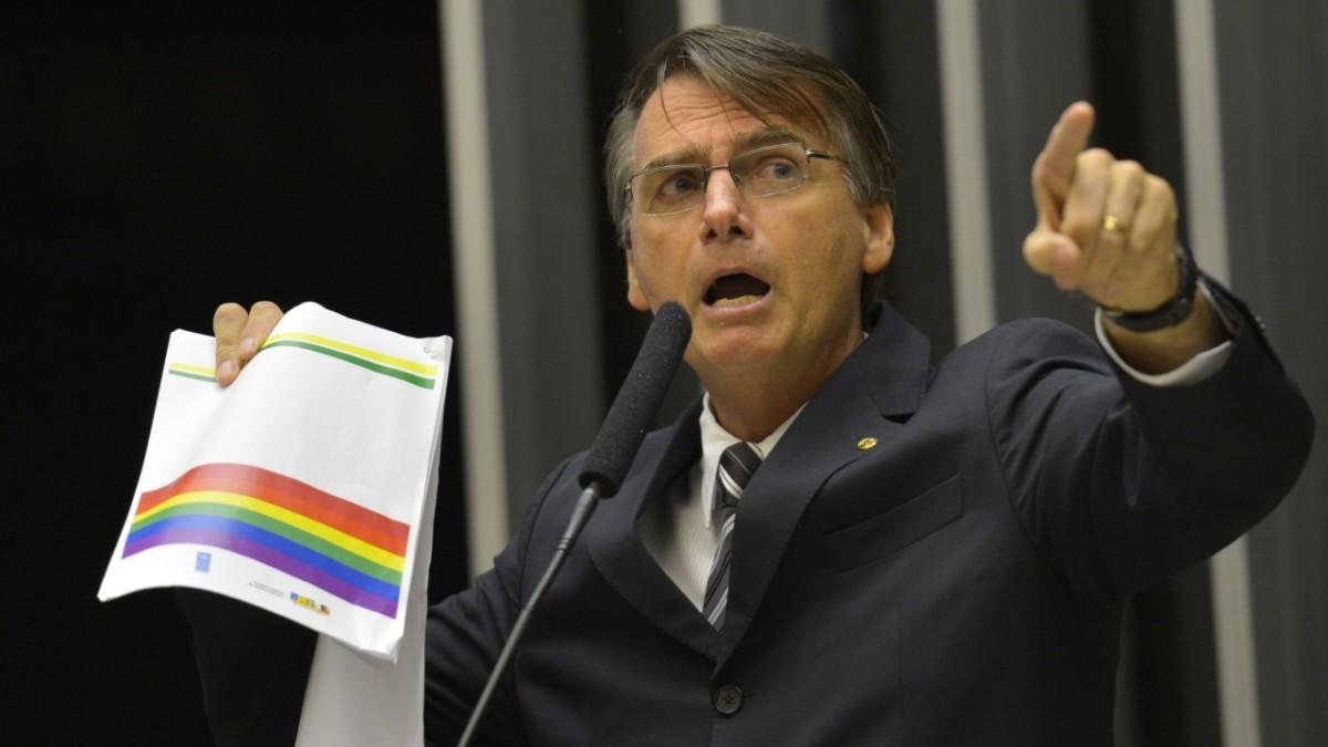 """""""Seria incapaz de amar um filho homossexual. Prefiro que ele morra"""", Bolsonaro desencadeador"""