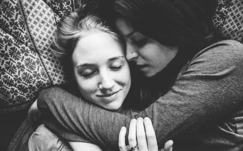 couple casal mulheres lésbicas LGBTI amor love wins