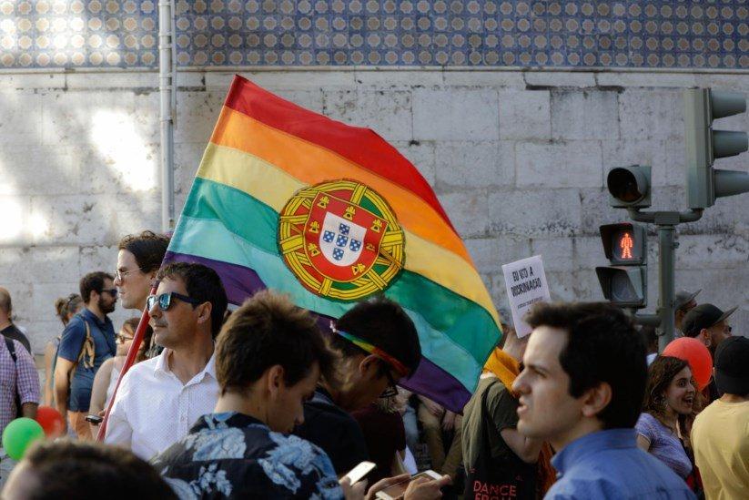 Orgulho Portugal bandeira arco-íris rainbow pride